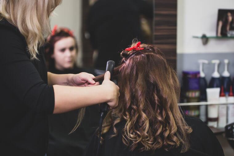 Frisur stylen - Inn Hair Friseursalon, Neuötting