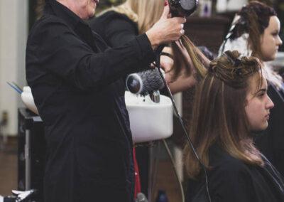 Haare stylen und föhnen - Inn Hair, Neuötting